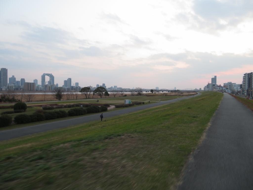 お正月の淀川河川敷