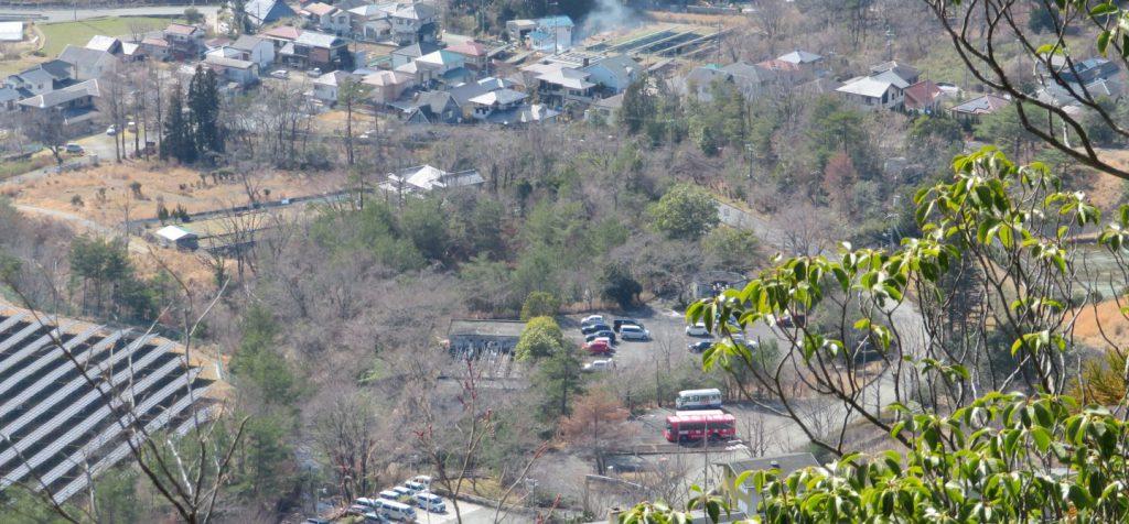 行者山の巨大岩の上からの景色